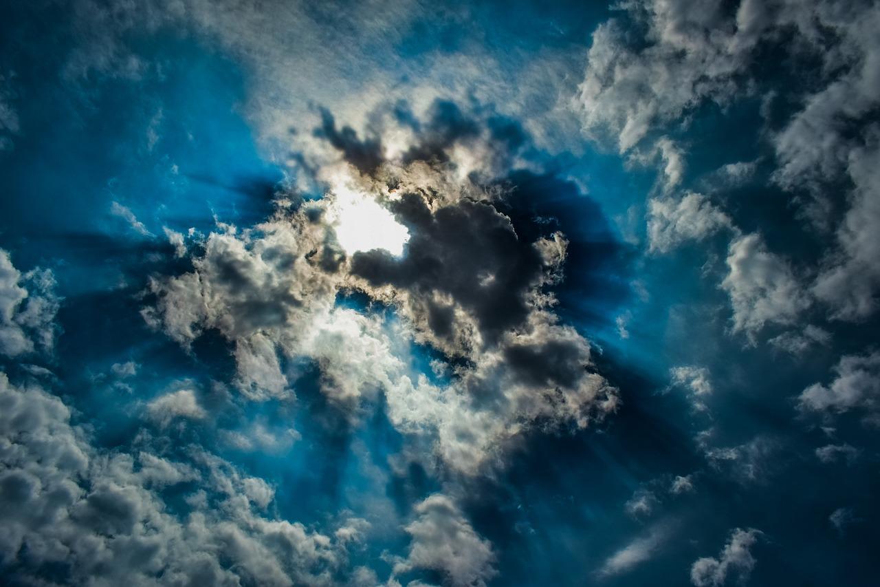 clouds-3353159_1280